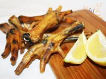 Hühnerfüsse, getr., 500 g für Hunde